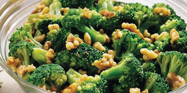 Broccoli with Walnut-Garlic