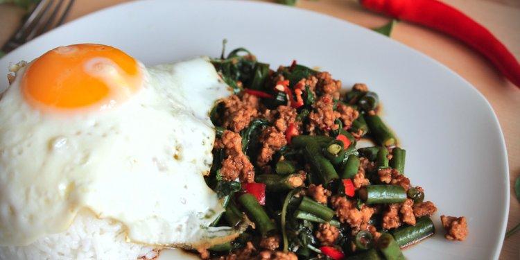 Thai minced pork with holy