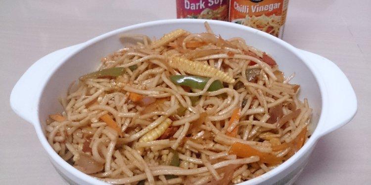 Veg Hakka Noodles - Our