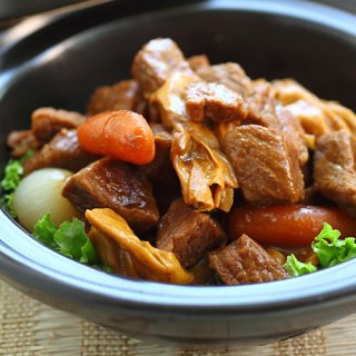 Asian Beef Stew - Chinese stew with beef and vegetables. This slow-cooked beef stew recipe is comforting, delicious and so easy to make | rasamalaysia.com
