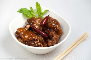 Chinese style braised pork feet