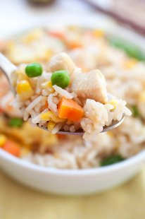 Fried Rice - easy and delicious Chinese fried rice recipe with rice, eggs, chicken, and shrimp. SO MUCH better and healthier than takeout | rasamalaysia.com