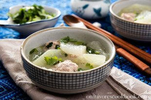 Soothing Winter Melon Soup with Meatball (冬瓜丸子汤) | omnivorescookbook.com